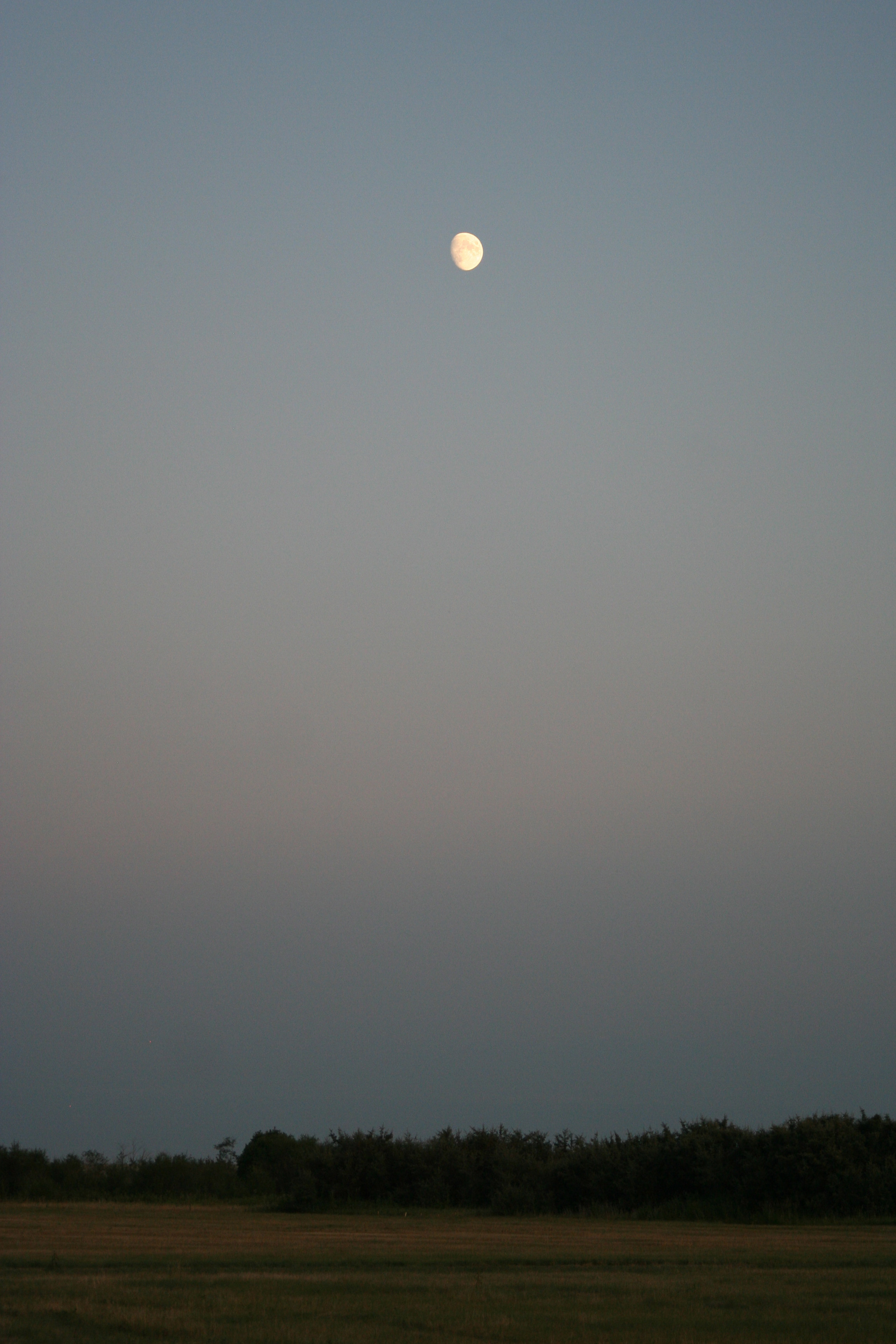 Moonrise Over Siksika (2)